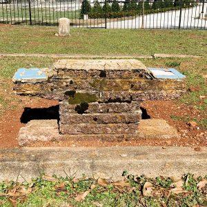 Vernacular_headstoneW