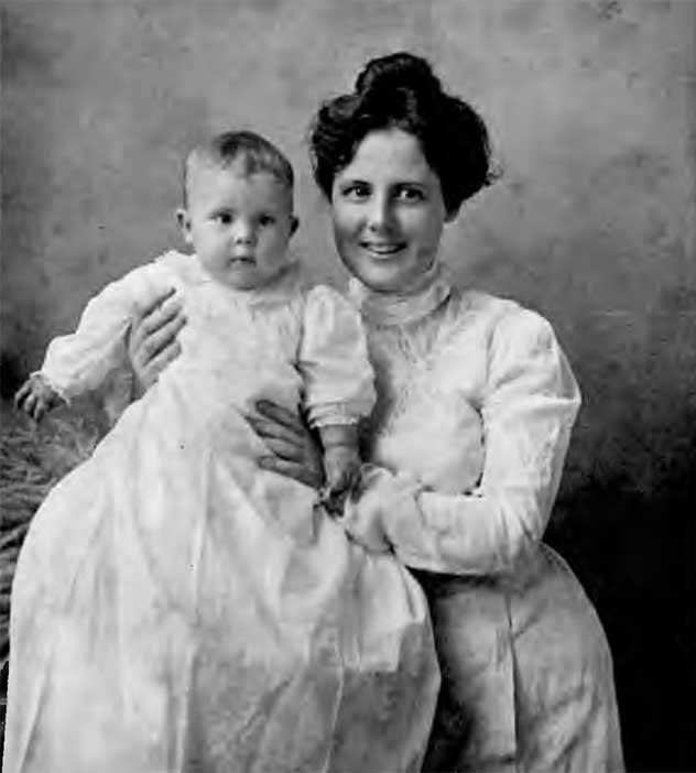 Alice Baldridge with her daughter, Vera.
